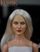 Weiblicher Kopf - platin-blonde Haare