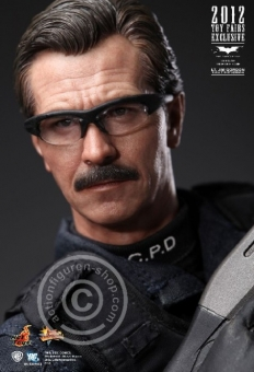 Lt. Jim Gordon - Toy Fairs Exclusive 2012
