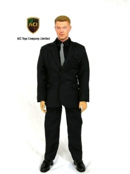 Men in Suit - Matt Damon