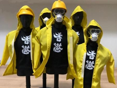 Hong Kong Protestors Set