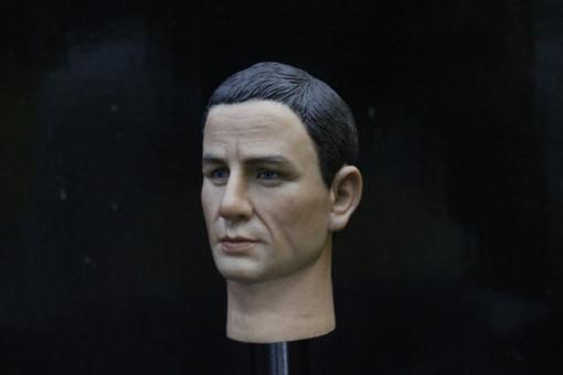 Daniel Craig - Head + Body