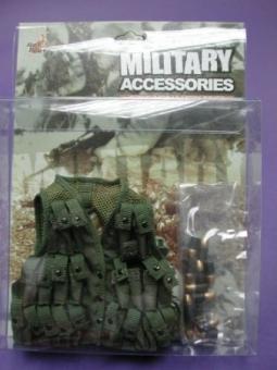 HotToys Grenade Vest und 12 40mm Granaten