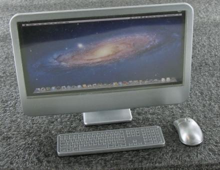 Computer mit Maus und Tastatur