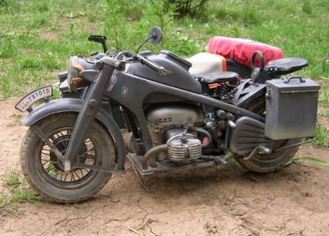 Zündapp KS750 Motorrad mit Beiwagen