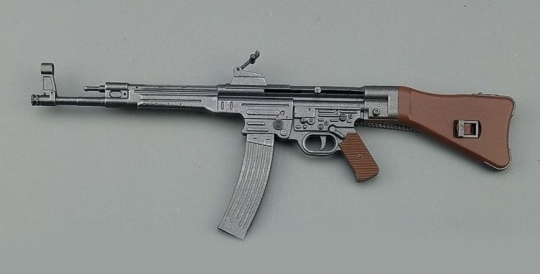 MP-44 / StGew. 44 - mit Magazin