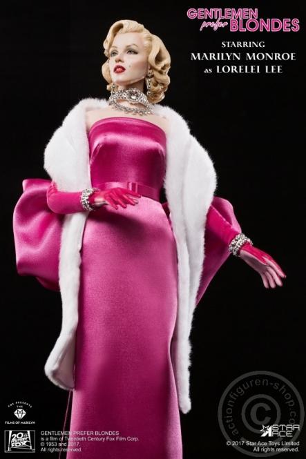 Merilyn Monroe -  in Pink Dress
