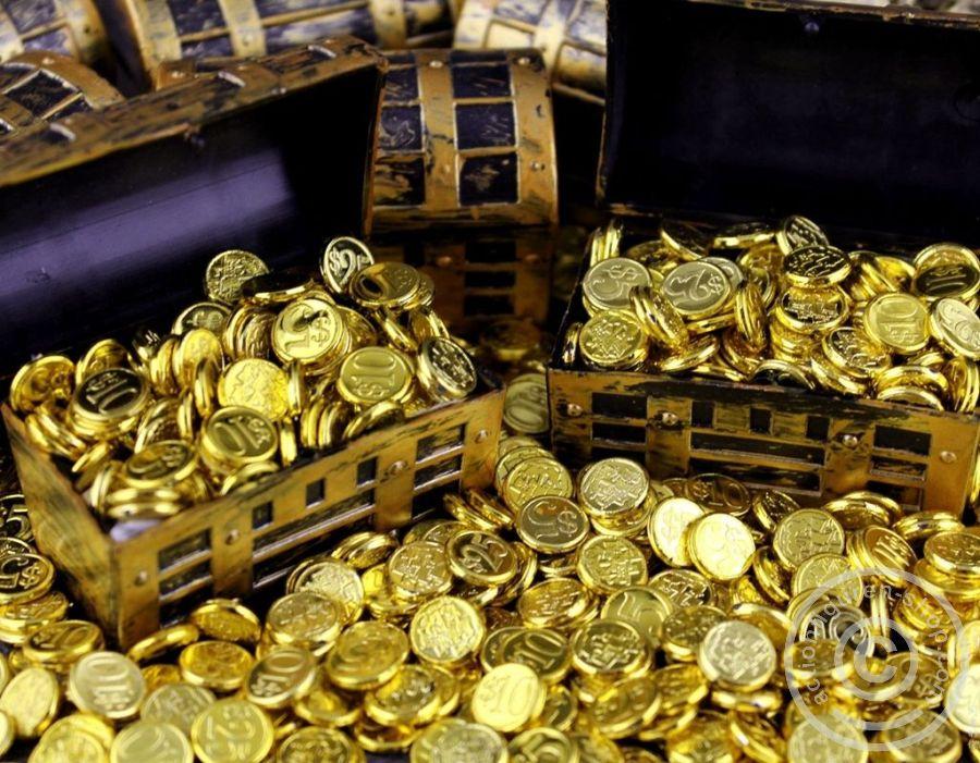 Www Actionfiguren Shop Com Treasury Chest W Gold Coins